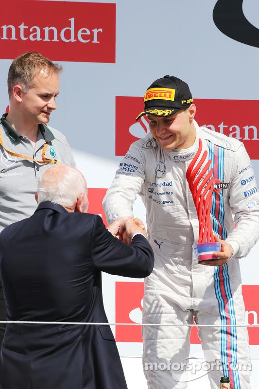 Valtteri Bottas, Williams celebra seu segundo lugar no pódio com John Surtees