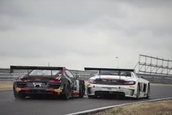 #2 比利时 奥迪 Club Team WRT 奥迪 R8 LMS Ultra: 恩佐·伊德, 雷内·拉斯特 和 #84 HTP Motorsport 梅赛德斯 SLS AMG GT3: 马克西米利安