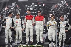 领奖台:比赛获胜者 Enzo Ide, Rene Rast, 第二名 Thomas Jäger, Dominik Baumann, 第三名 Robert Renauer, Jaap van Lagen