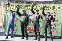 Winnaars Antron Brown, Erica Enders, Andrew Hines en Troy Coughlin