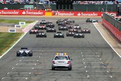 Rennstart: Nico Rosberg, Mercedes AMG F1 W05; Felipe Massa, Williams FW36