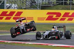 Pastor Maldonado, Lotus F1 E21 is launched into the air after colliding with Esteban Gutierrez, Sauber C33
