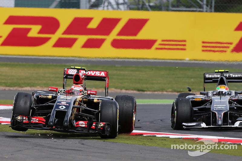 Pastor Maldonado, Lotus F1 E21 es lanzado al aire después de chocar con Esteban Gutiérrez, Sauber C3