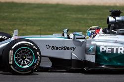 Льюіс Хемілтон, Mercedes AMG F1 W05