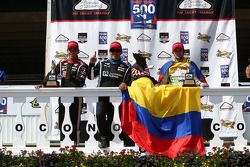 Helio Castroneves, Penske Racing Chevrolet and Juan Pablo Montoya, Penske Racing Chevrolet and Carlo