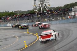 Oval racing sotto la pioggia