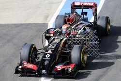Pastor Maldonado, Lotus F1 E21 sensörlerle birlikte pistte