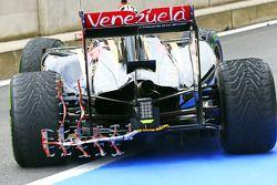 Pastor Maldonado, Lotus F1 E21 running sensor equipment