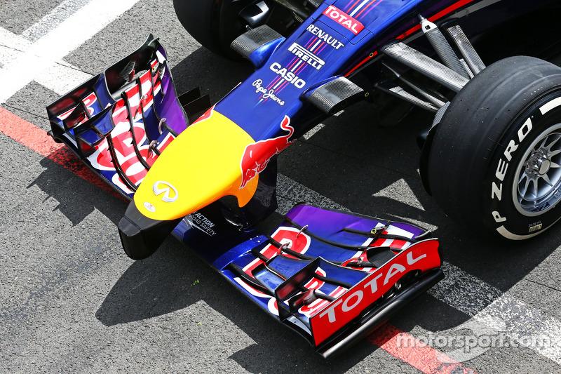 Daniel Ricciardo, Red Bull Racing RB10 ön kanat detayı