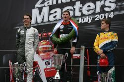 Podium: race winner Max Verstappen, second place Jules Szymkowiak, third place Steijn Schothorst