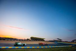 #34 Race Performance Oreca 03 - Judd: Michel Frey, Franck Mailleux, Jon Lancaster, #42 Caterham Raci