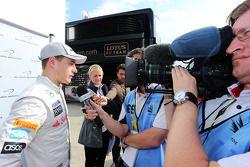 Stoffel Vandoorne, McLaren Test ve Yedek Pilotu ve medya