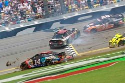 Tony Stewart, Stewart-Haas Racing Chevrolet, incidente