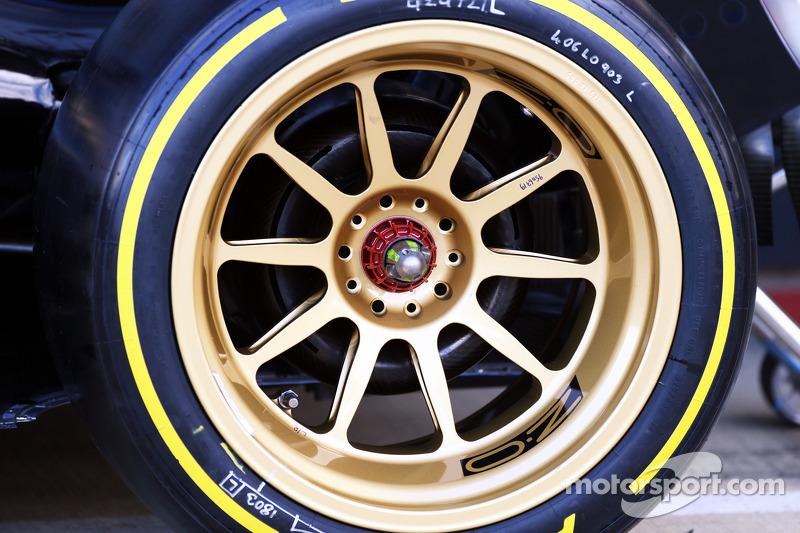 El Lotus E22 con el neumático Pirelli de 18 pulgadas