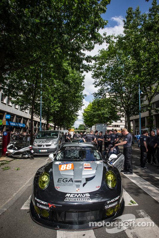 #88 Proton Competition Porsche 911 RSR (991)
