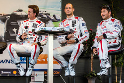 Lucas Ordonez, Wolfgang Reip et Satoshi Motoyama