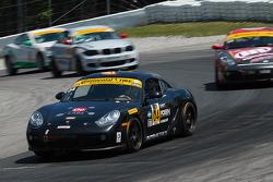 #04 Autometrics Motorsports 保时捷 卡宴: 亚当·伊斯曼, 雷默·鲁希蒂