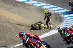 Toni Elias has trouble at the corkscrew