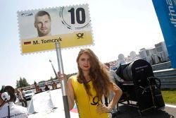 Gridgirl - Martin Tomczyk, BMW Team Schnitzer BMW M4 DTM