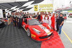 Takım kutlaması #777 Ferrari Quebec Ferrari 458: Emmanuel Anassis
