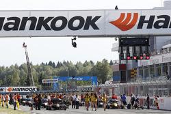F3 Starting grid