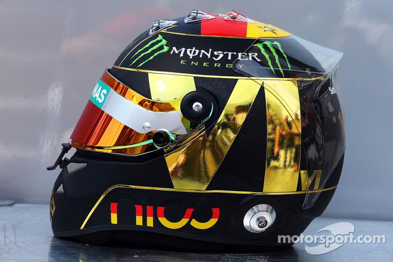 kask: Nico Rosberg, Mercedes AMG F1 Almanya'nın 2014 FIFA Dünya Kupası başarısı