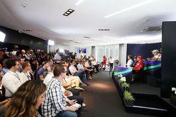 国际汽联新闻发布会: 尼克·胡肯伯格, 印度力量车队,; 凯文·马格努森, 迈凯伦;阿德里安·苏蒂尔, 索伯车队; 尼克·罗斯伯格, 梅赛德斯AMG F1车队; 塞巴斯蒂安·维特尔, 红牛车队; 基米·莱库宁, 法拉利
