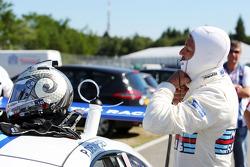 帕特里克·邓普西参加保时捷超级杯赛车比赛