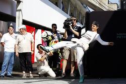 Nico Rosberg, Mercedes AMG F1 futbol oynuyor