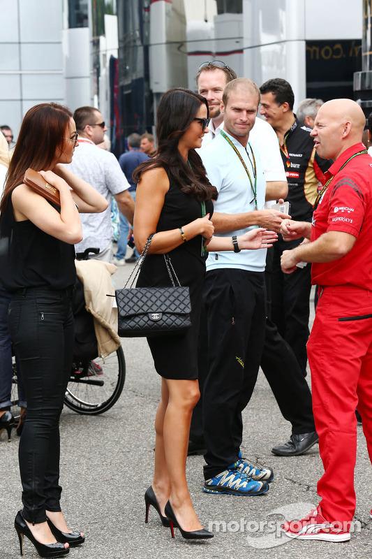 Minttu Virtanen, namorada de Kimi Raikkonen, da Ferrari