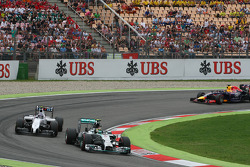 Nico Rosberg, Mercedes AMG F1 W05 y Valtteri Bottas, Williams FW36