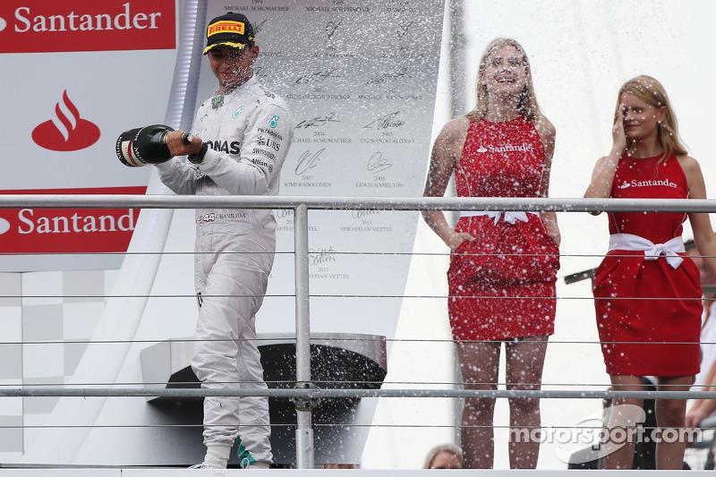 18 - (17 posiciones): Lewis Hamilton, Mercedes: del 20º al 3º en el GP de Alemania de 2014