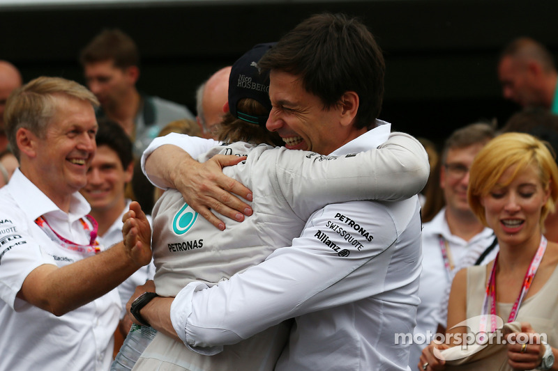 1st place Nico Rosberg, Mercedes AMG F1 W05 and Toto Wolff, Mercedes AMG F1 Shareholder and Executive Director