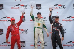 Podium: Tony Kanaan, Chip Ganassi Racing Chevrolet and Mike Conway, Ed Carpenter Racing Chevrolet an