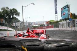 Tony Kanaan, Chip Ganassi Racing Chevrolet accidenté