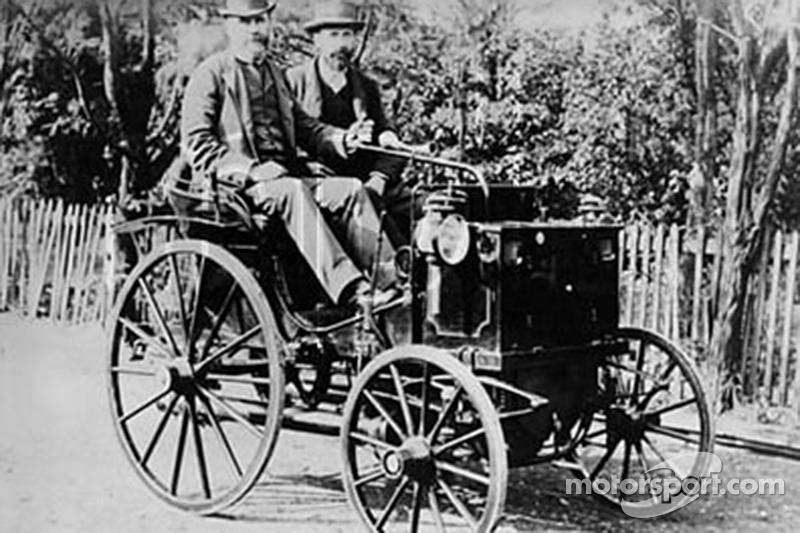 Panhard-Levassor (1890_x0096_1895), similar to Paul Panhard's fourth place finisher