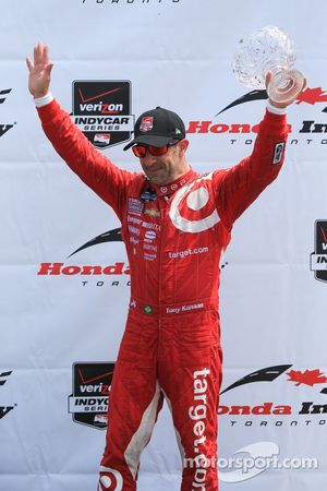Tony Kanaan, Chip Ganassi Racing Chevrolet heureux