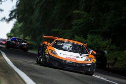 #101 Von Ryan Racing McLaren MP4-12C: Tim Mullen, Rob Bell, Shane van Gisbergen