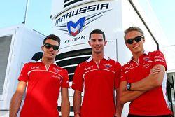 Jules Bianchi, Marussia F1 Team con Alexander Rossi, Marussia F1 terzo pilota e Max Chilton, Marussia F1 Team