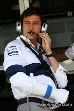Toto Wolff, Mercedes AMG F1 Shareholder and Executive Director with injuries sustained in a cycling accident