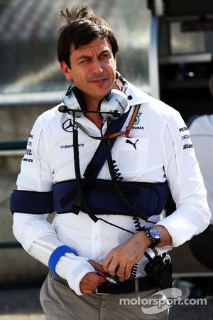 Toto Wolff, Mercedes AMG F1 Shareholder and Executive Director with injuries sustained in a cycling