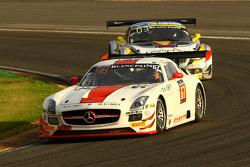 #67 GDL Racing Mercedes SLS AMG GT3: Gianluca de Lorenzi, Nigel Farmer, Jean-Charles Perrin