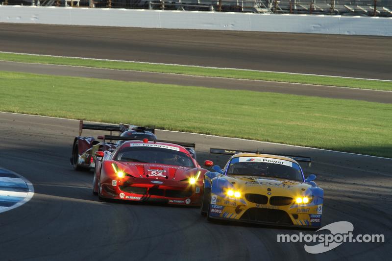 #94 Turner Motorsport BMW Z4: Dane Cameron, Paul Dalla Lana and #62 Risi Competizione Ferrari F458: