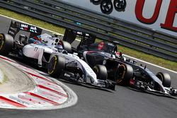 Valtteri Bottas, Williams FW36 y Adrian Sutil, Sauber C33
