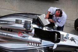 McLaren MP4-29 of Jenson Button, McLaren in parc ferme