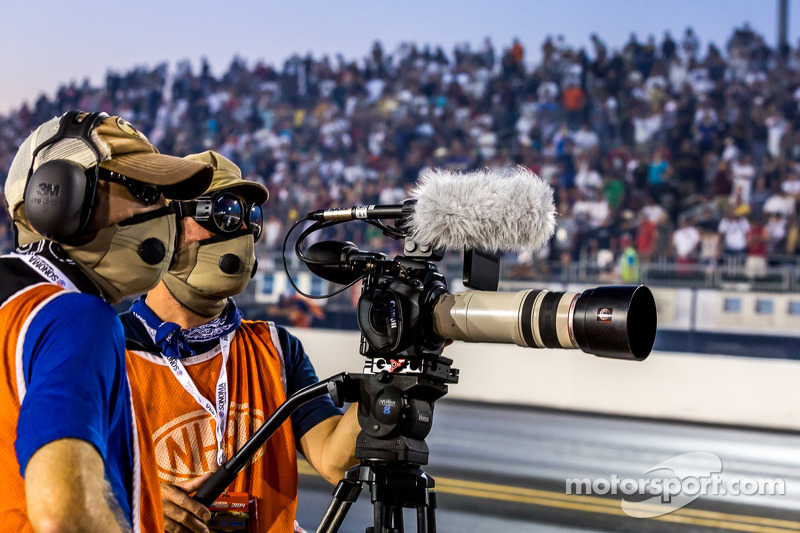 Well prepared media members at the dragstrip