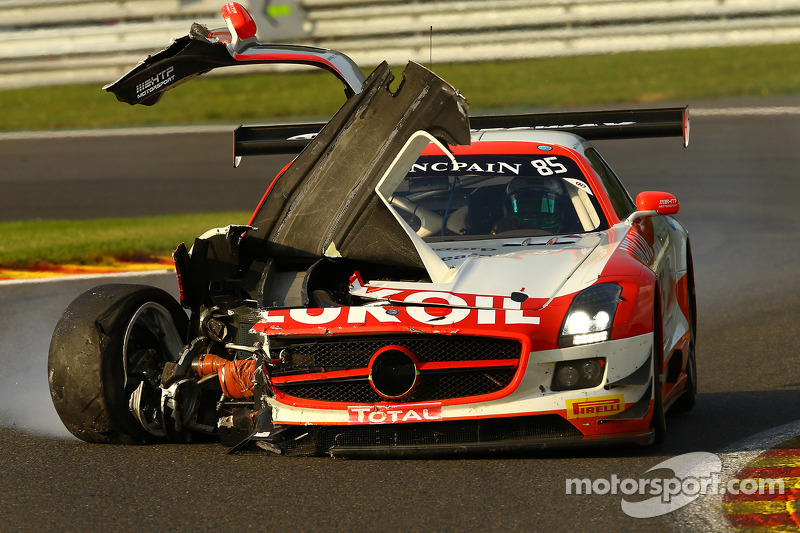 遇到问题,#85 HTP Motorsport 梅赛德斯 SLS AMG GT3: Lucas Wolf, Sergei Afanasiev, Stef Dusseldorp