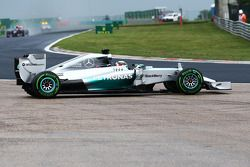 Lewis Hamilton, Mercedes AMG F1 W05 recovers from a spin at turn two at the start of the race