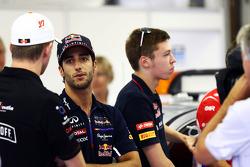 Jean-Eric Vergne, Scuderia Toro Rosso en el desfile de pilotos.