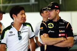 Kamui Kobayashi, Caterham and Pastor Maldonado, Lotus F1 Team en el desfile de pilotos